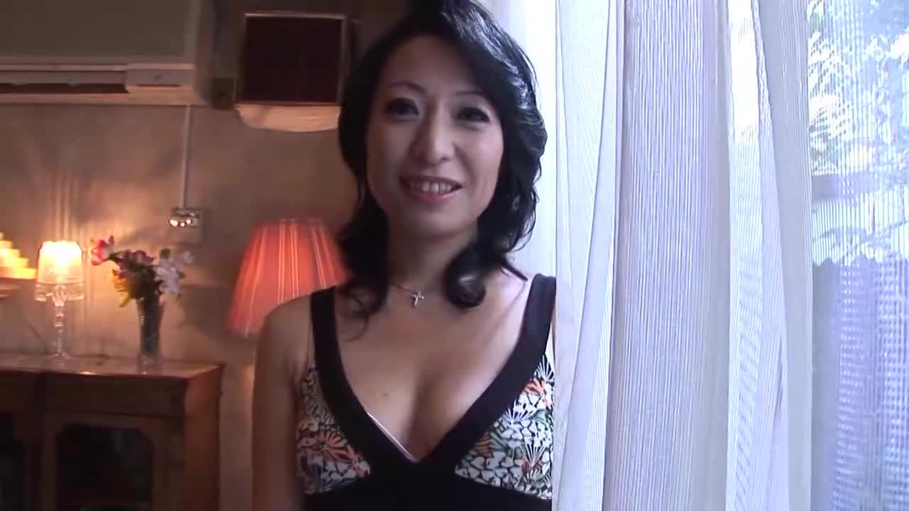 【井本茜/45歳/五十路の初撮りドキュメント】素人の美熟女がアダルトビデオに出演する企画